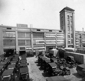 fábrica da Ford (1921); fonte: wikipedia